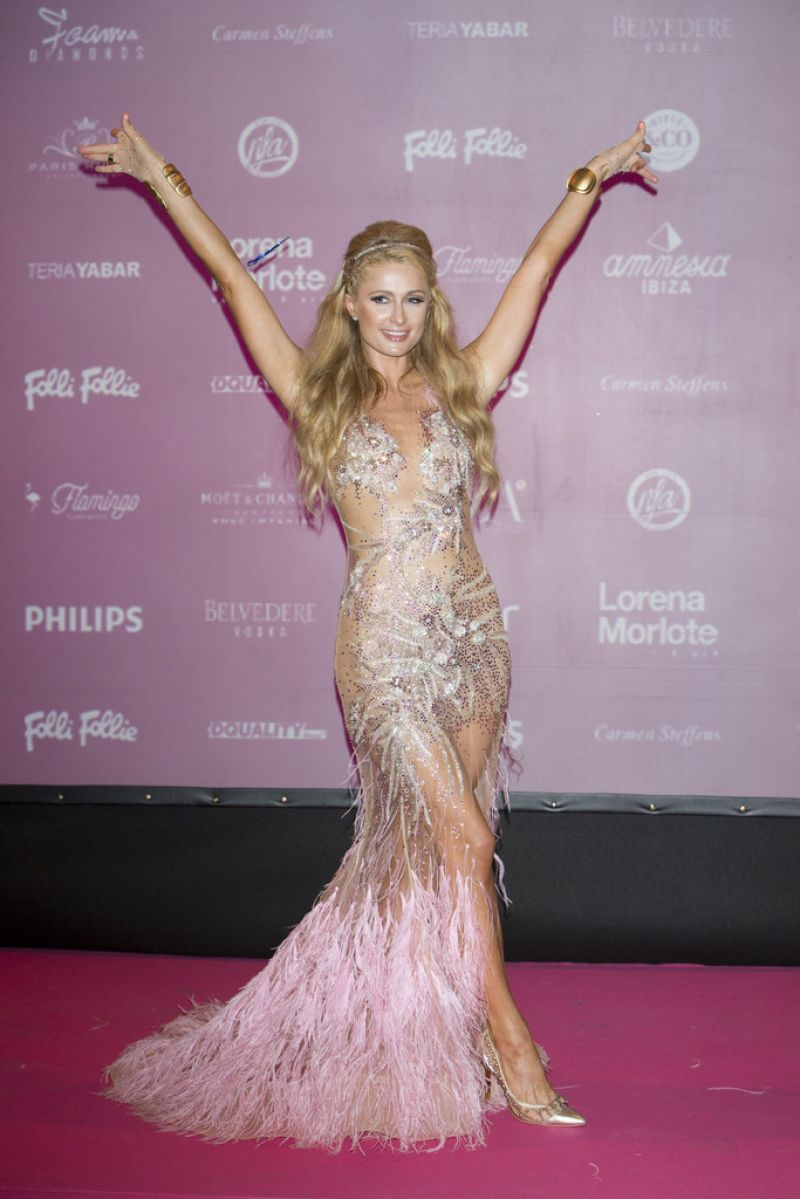 paris-hilton-at-foam-diamonds-party-in-ibiza-07-18-2015_3
