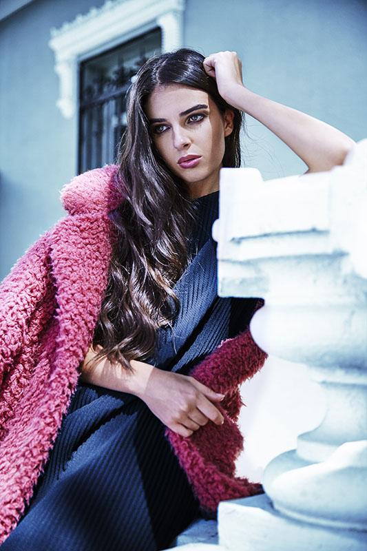 Photo & Retouch : Carlos Blank Stylist : Fran Larrañaga Makeup: Pilar Vilas Hair: Sergio López Model: Leticia Rodríguez